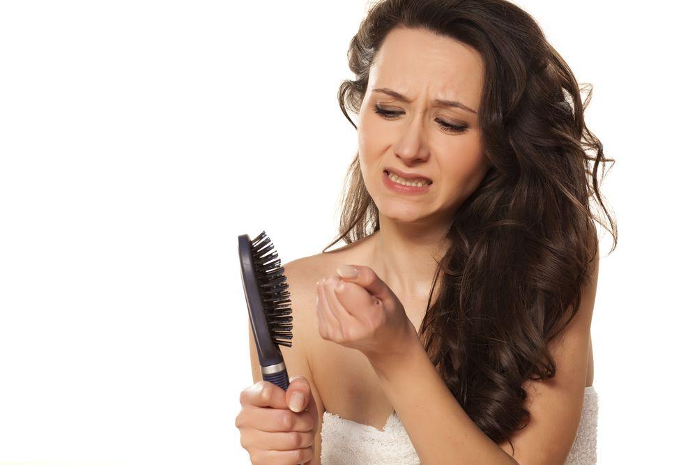Ako zastaviť vypadávanie vlasov u žien