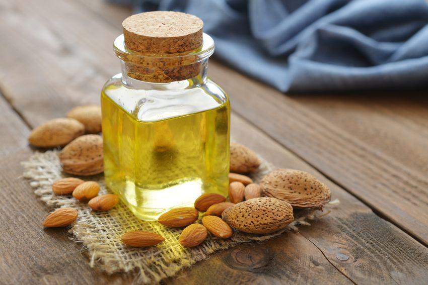 bio mandlový olej na suchú pokožku