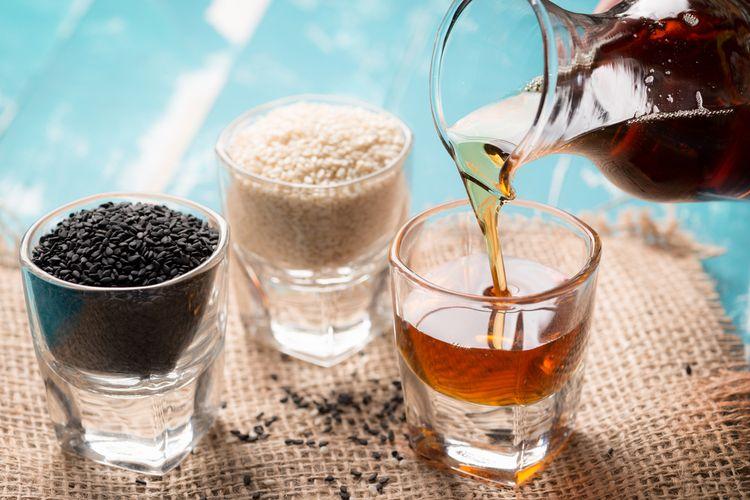 sezamový olej na vyprážanie aj do šalátov