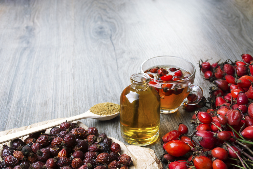 šípkový olej - recenzia oleja na vrásky, strie, jazvy